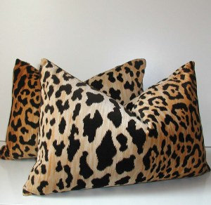14 x 20 Leopard Velvet Lumbar Pillow Cover
