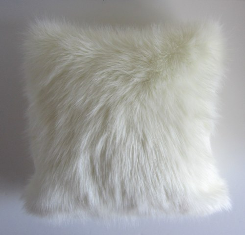 furry pillow studio tullia 10.JPG